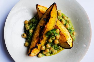 NutriKeto Recipe: baked pumpkin and spiced chickpeas.