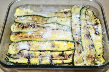 Parmiggiana of courgettes with mint