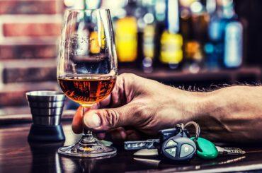 Richiesta di avvisare il consumatore di alcol con etichette in stile sigaretta
